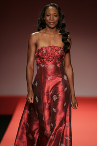VenusWilliamsRedDress2005.jpg