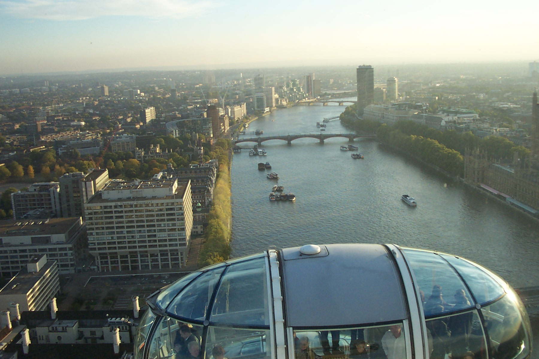 View_from_the_London_Eye_10-2003_01.jpg