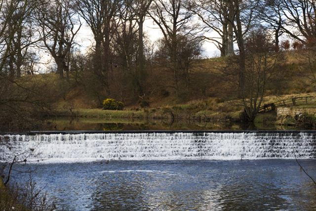 Weir on the Aln - geograph.org.uk - 1190179