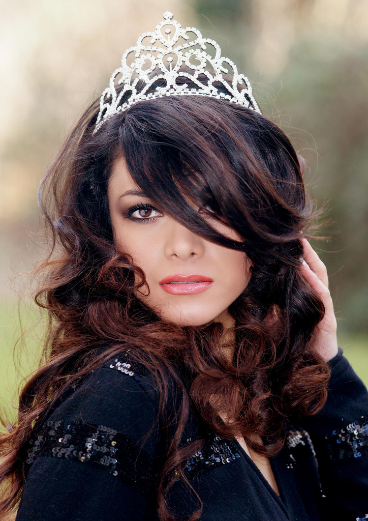 File:Zallascht Sadat Miss Afghanistan - d jpg - Wikimedia