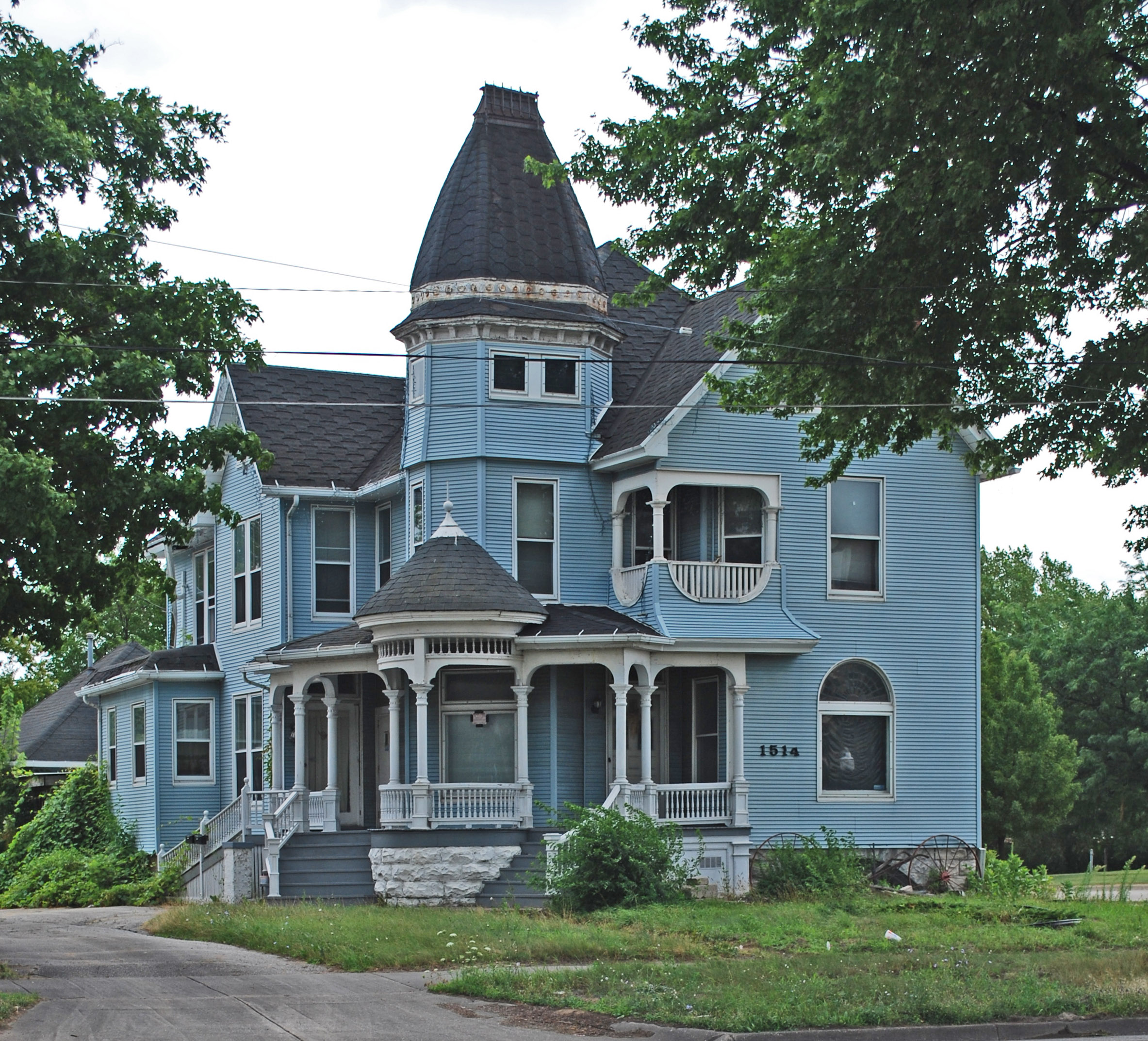 michigan blue house blue houses pinterest house and queen anne queen anne style victorian home listed on the national register of historic places located at 1514 n