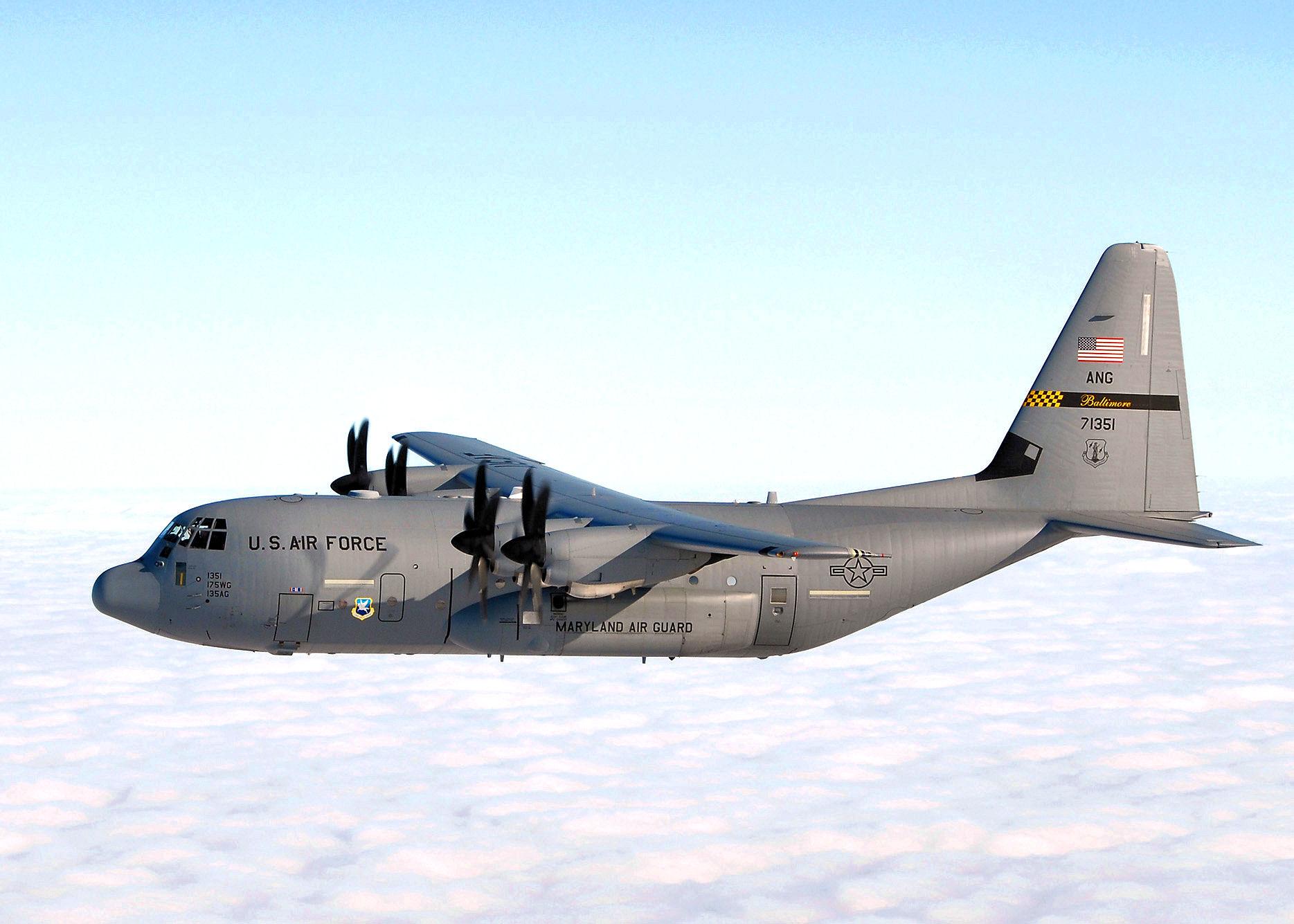 File:175th Wing - C-130 Hercules Warfield Air National Guard Base Maryland.