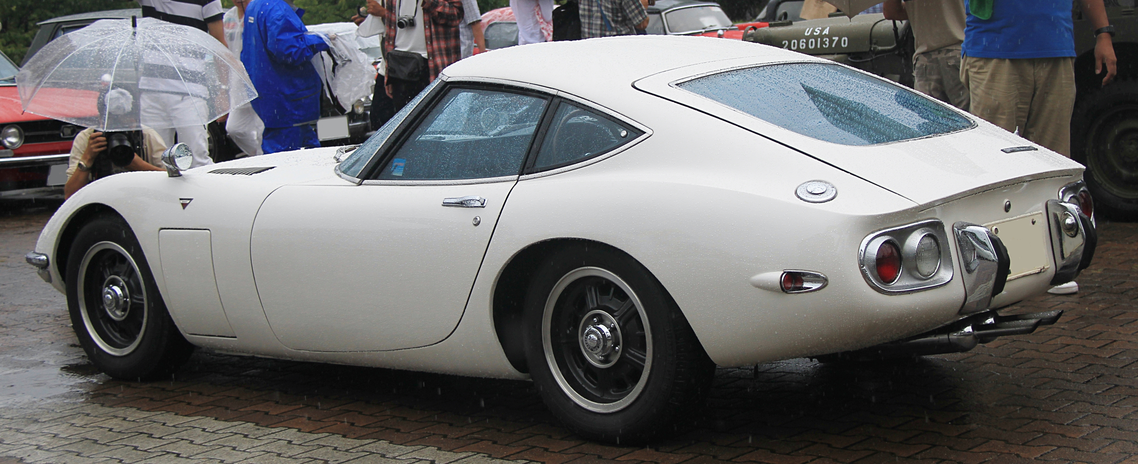Build Your Own Toyota >> File:1967-1969 Toyota 2000GT rear.jpg - Wikimedia Commons