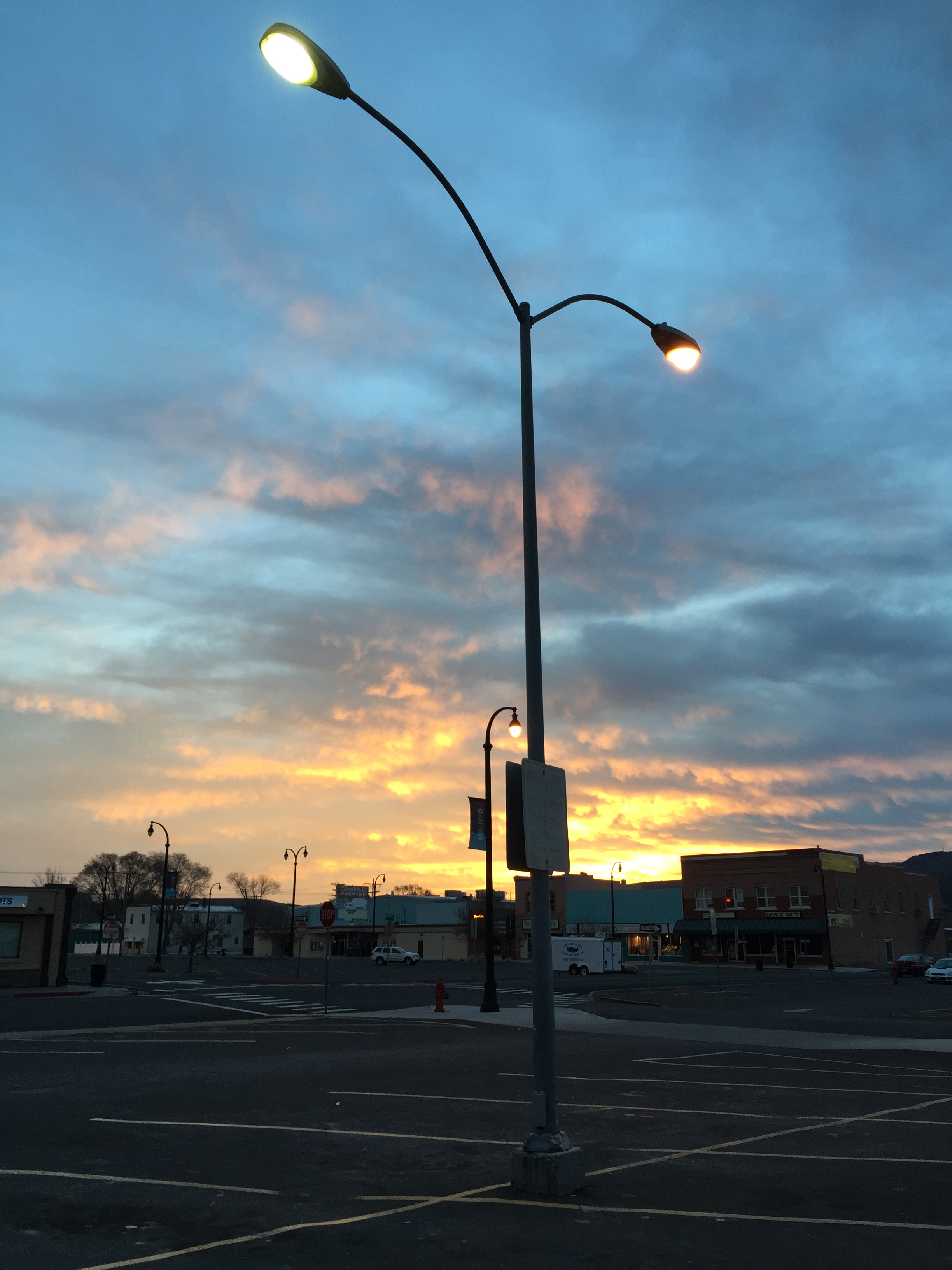 File2015 02 14 06 37 16 street light post with both sodium vapor file2015 02 14 06 37 16 street light post with both sodium mozeypictures Images