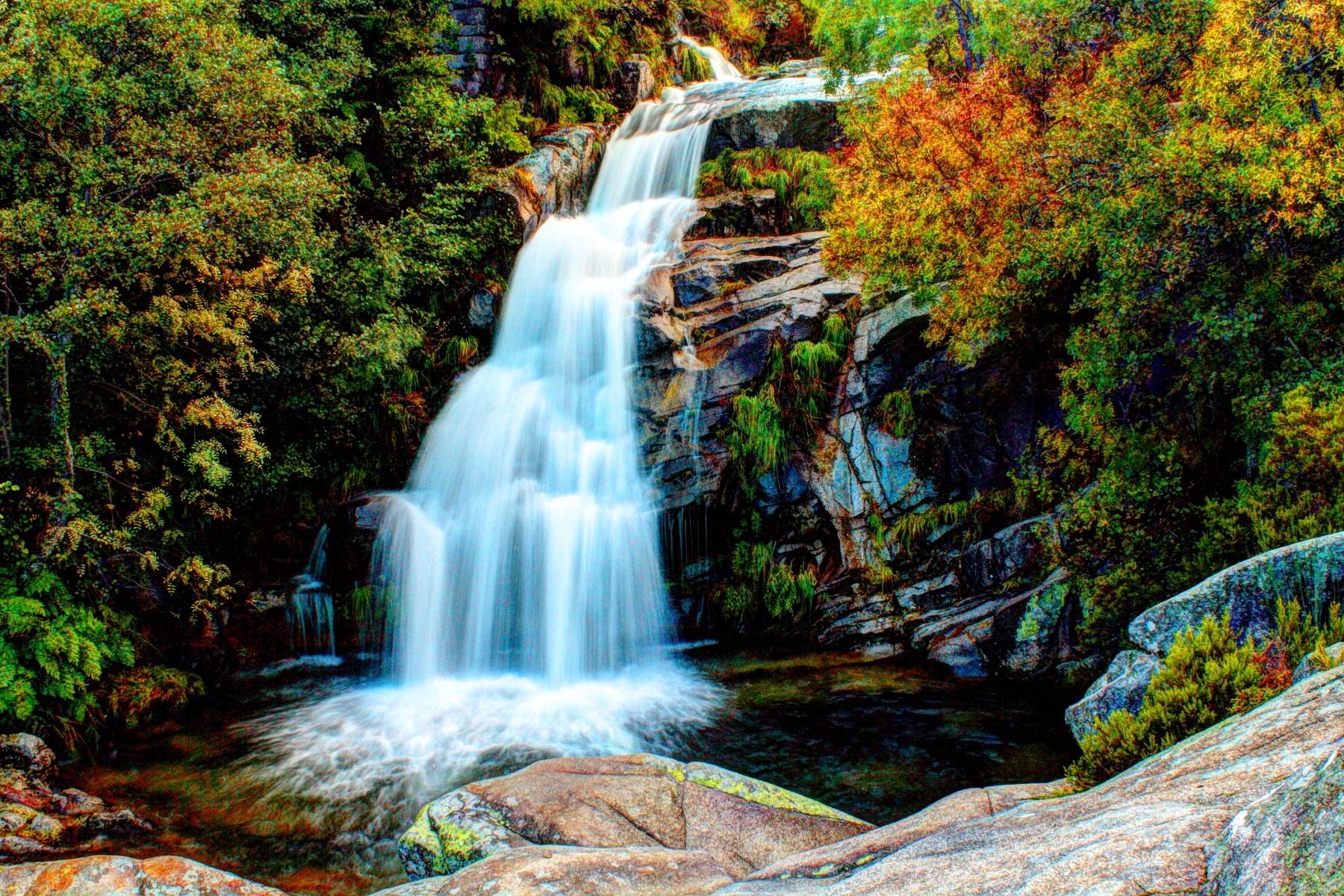File Agarez Waterfall Jpg Wikimedia Commons