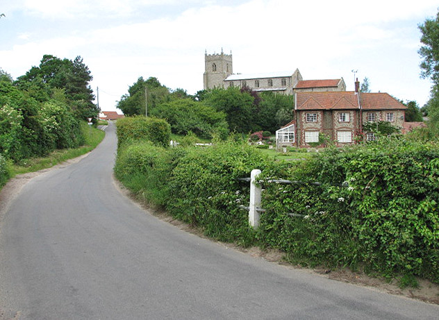 Approaching Wiveton from the east - geograph.org.uk - 841540