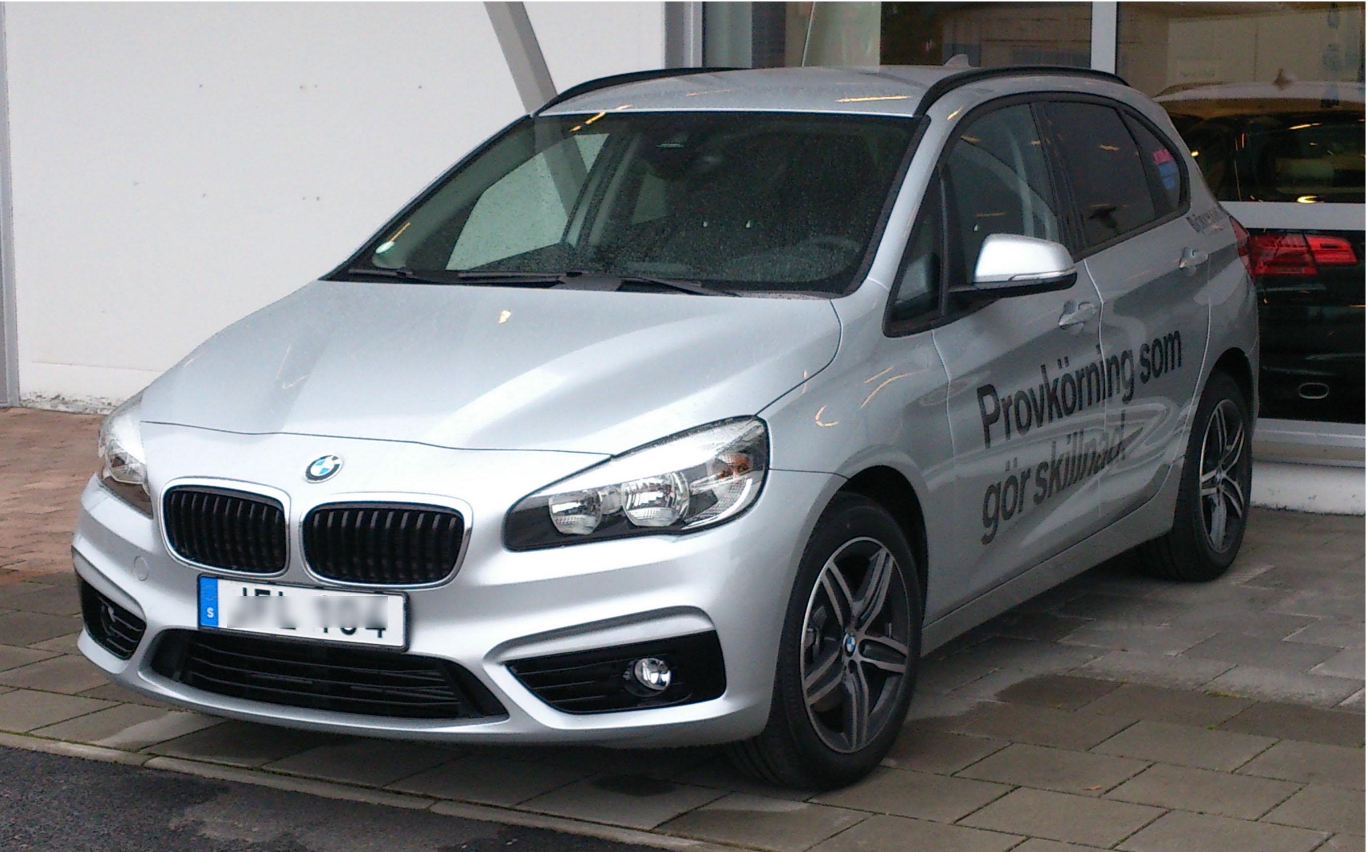 File BMW F45 fl Wikimedia mons