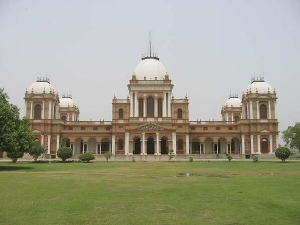 Ficheiro:Bahawalpur Nur Mahal.jpeg