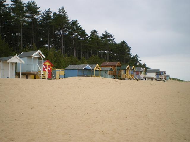 Beach huts at High Cape - geograph.org.uk - 1389035