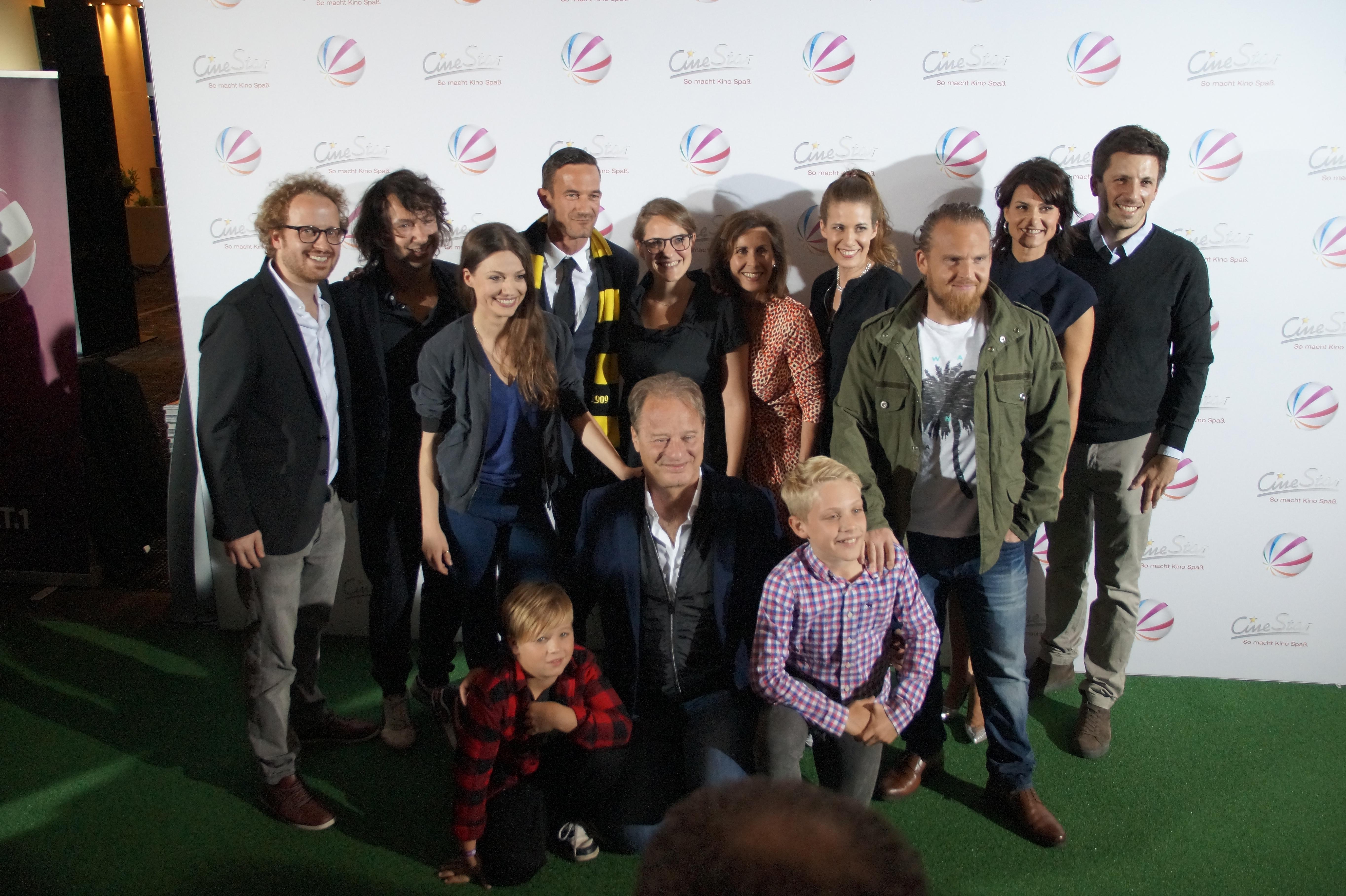 Datei:Benedikt Böllhoff, Regisseur Franz Henman, Julia Hartmann ...
