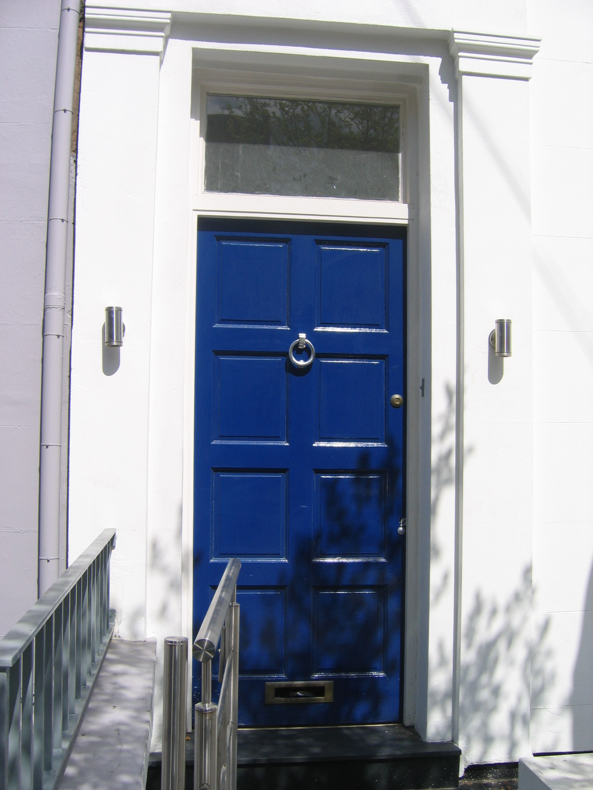 File blue door nottinghill jpg wikimedia commons for House notting hill