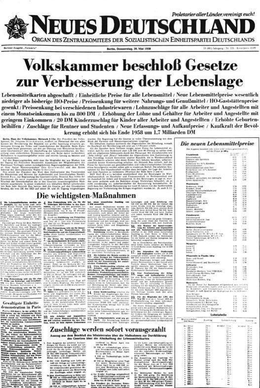 Bundesarchiv Bild 183-T0220-0307, Abschaffung der Lebensmittelmarken, Artikel im Neuen Deutschland.jpg