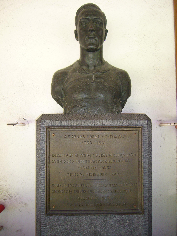 ファイル busto a pichichi en san mamés jpg wikipedia