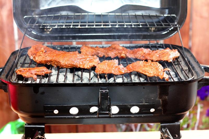 Mäso pred konzumáciou by malo byť dostatočne tepelne upravené