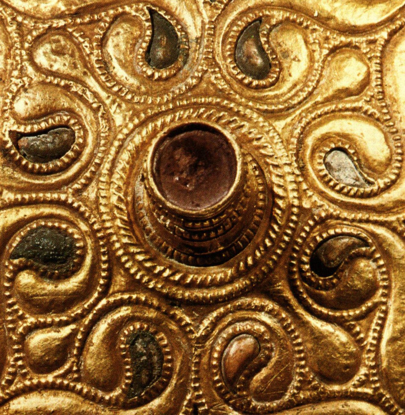 file celtic gold plated disc auvers sur oise val d 39 oise detail 01 jpg. Black Bedroom Furniture Sets. Home Design Ideas