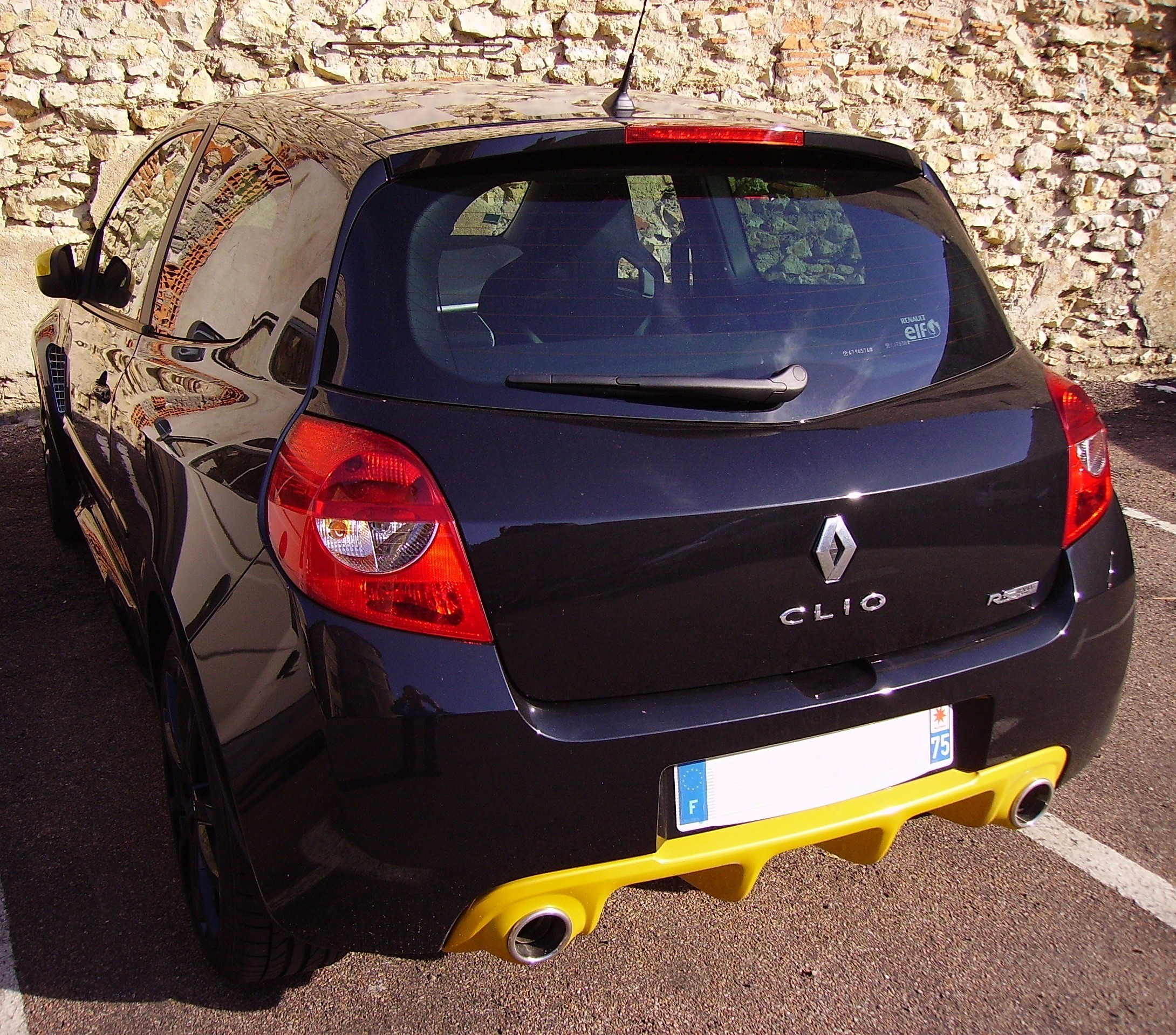 file clio rs red bull racing wikimedia commons. Black Bedroom Furniture Sets. Home Design Ideas