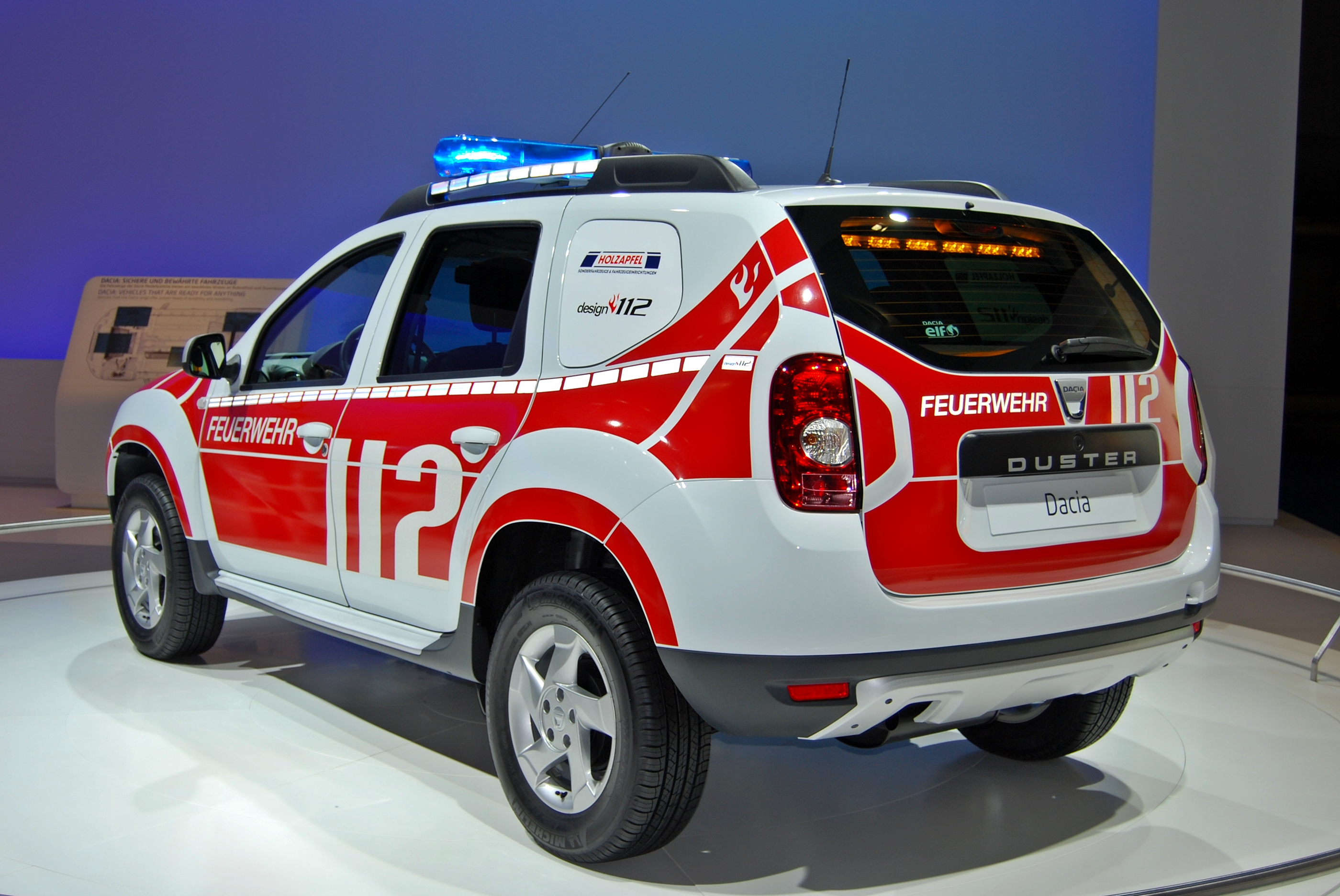 datei dacia duster feuerwehr iaa 2011 jpg wikipedia. Black Bedroom Furniture Sets. Home Design Ideas
