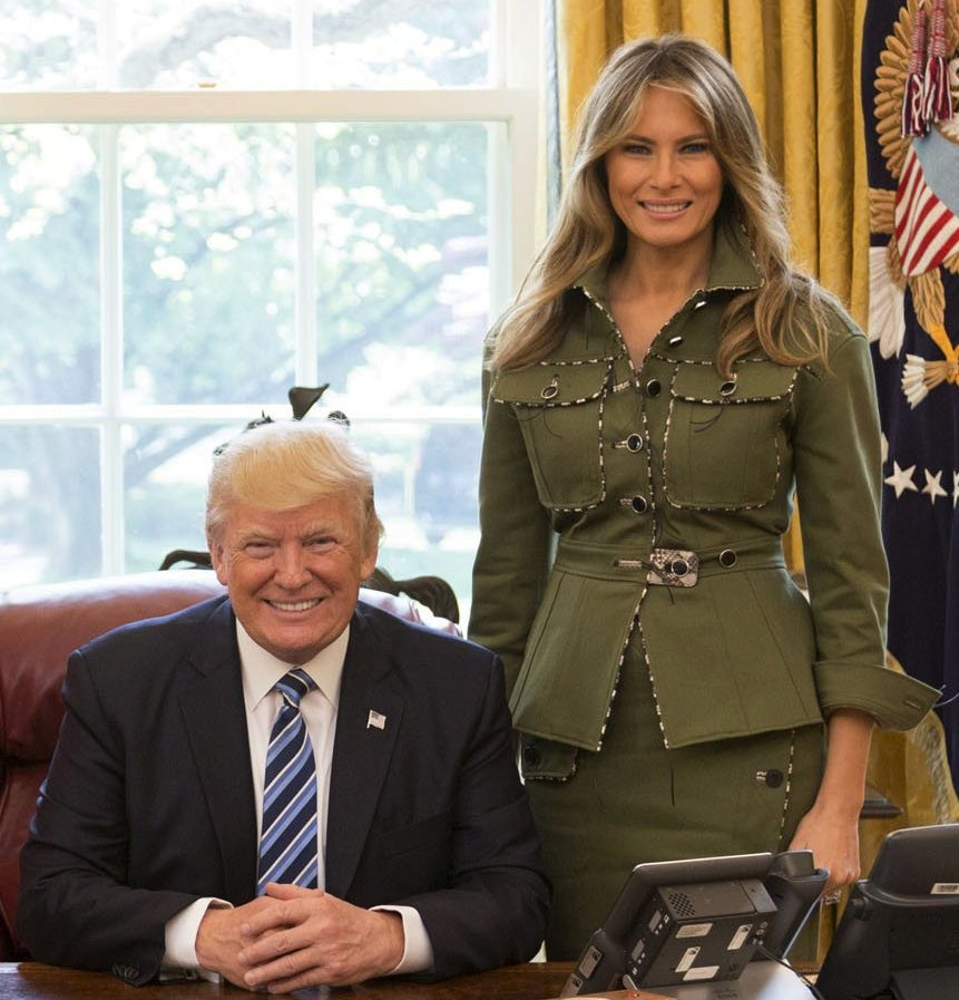 Donald_and_melania_trump_in_the_oval_office_2017_%28cropped%29