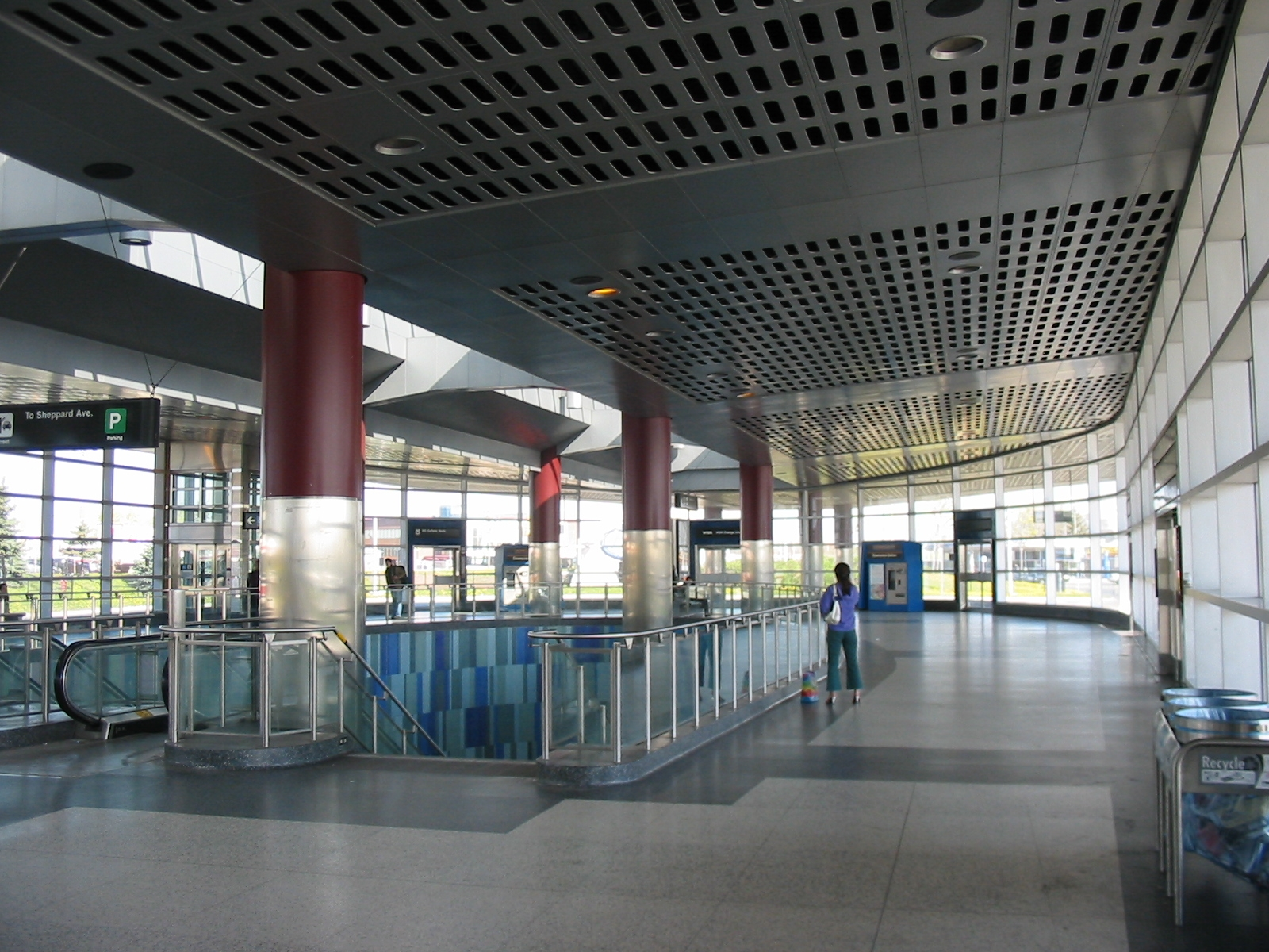 File:Downsview TTC Station Ceiling.jpg - Wikimedia Commons