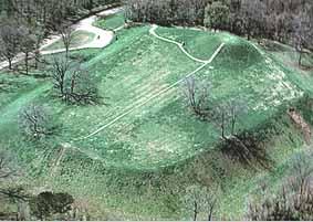 Emerald_Mound.jpg