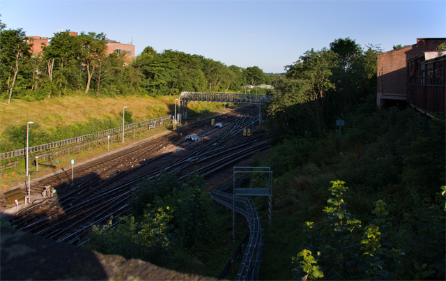 Finchley Central - geograph.org.uk - 881159