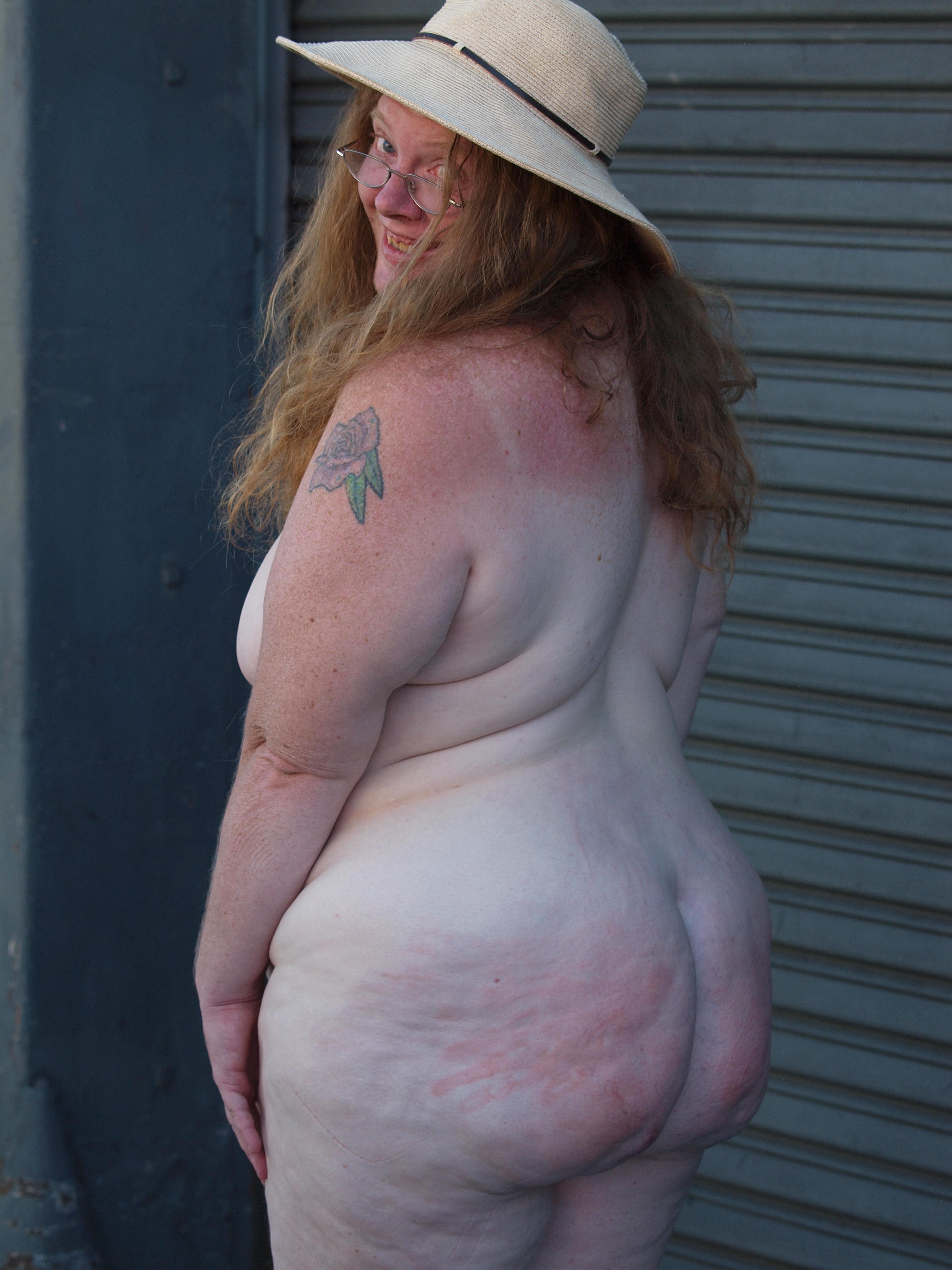 horny naked goth webcam women gifs