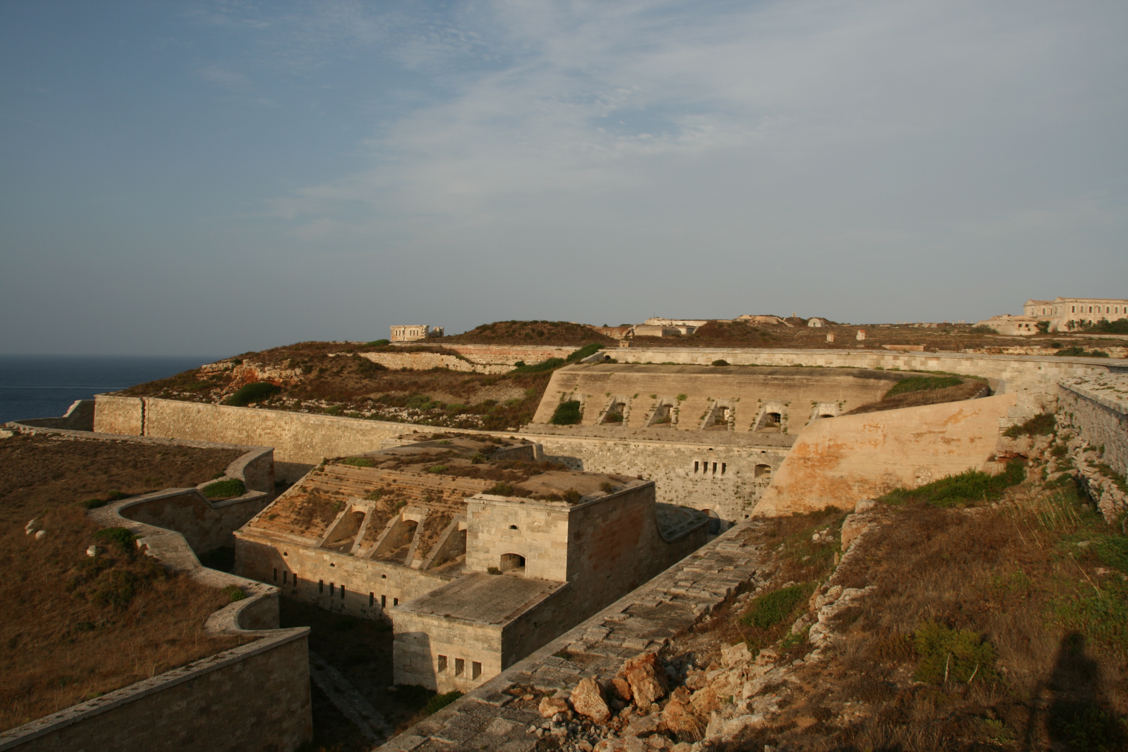 File:Fortalesa de La Mola (Menorca, 2 de agosto de 2014) 35.JPG - Wikimedia  Commons