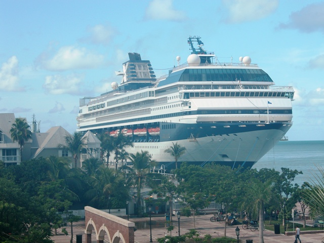 File:Galaxy at Key West.jpg