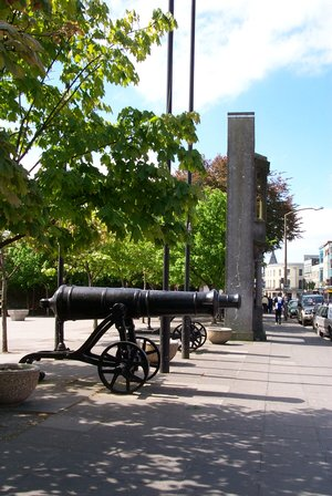 Cannon at Eyre Square, Galway The cannon were presented to the Connaught Rangers at the end of the Crimean War (1854-1856) in recognition of their military achievements.