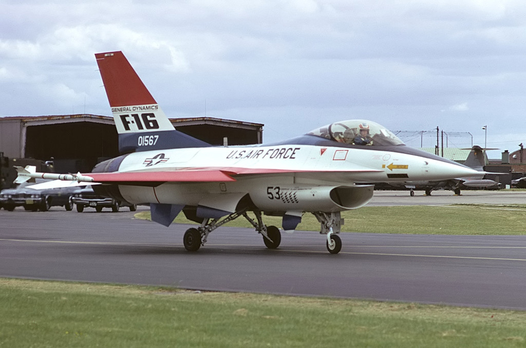 【国際】米 台湾に新型F16戦闘機売却か YouTube動画>2本 ->画像>8枚