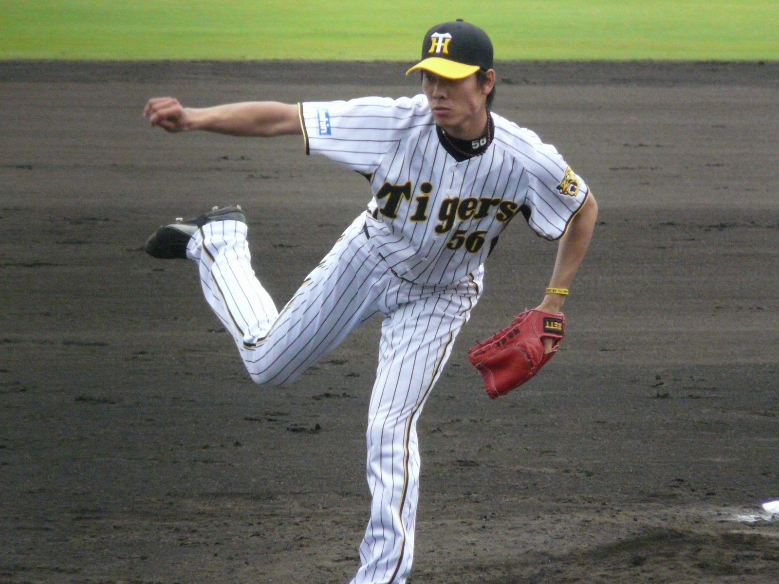 Abe with the Hanshin Tigers