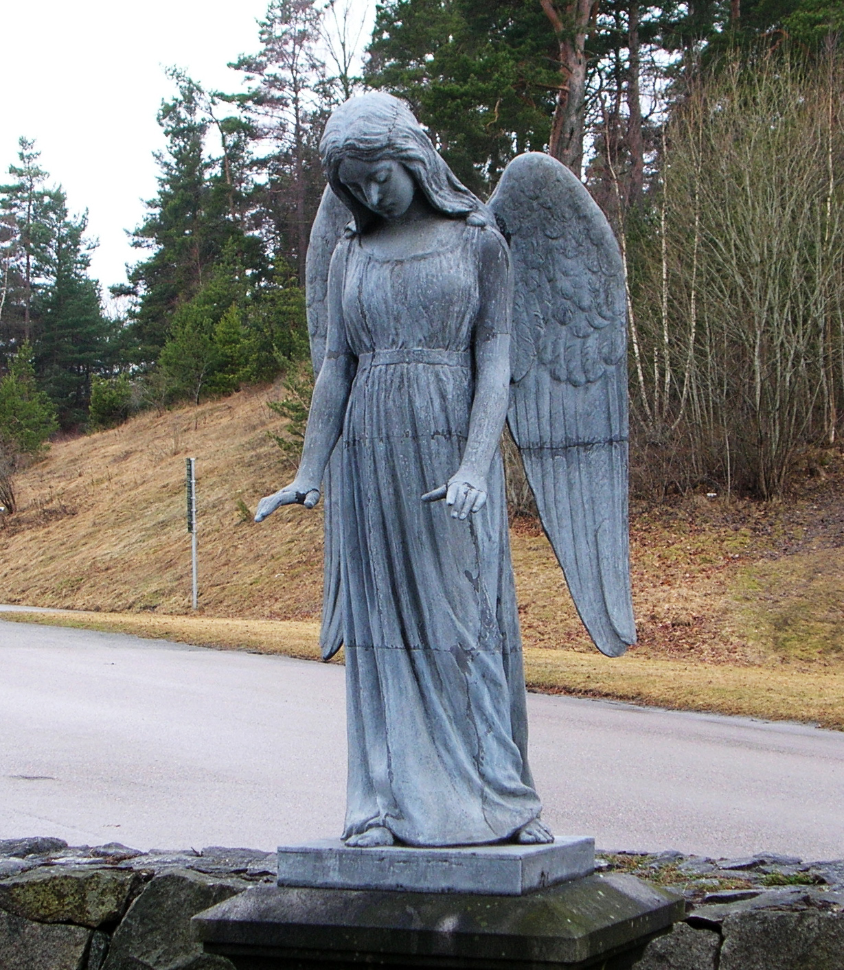 1000 images about angels on pinterest angel guardian angels and angel statues - Angel statue for garden ...