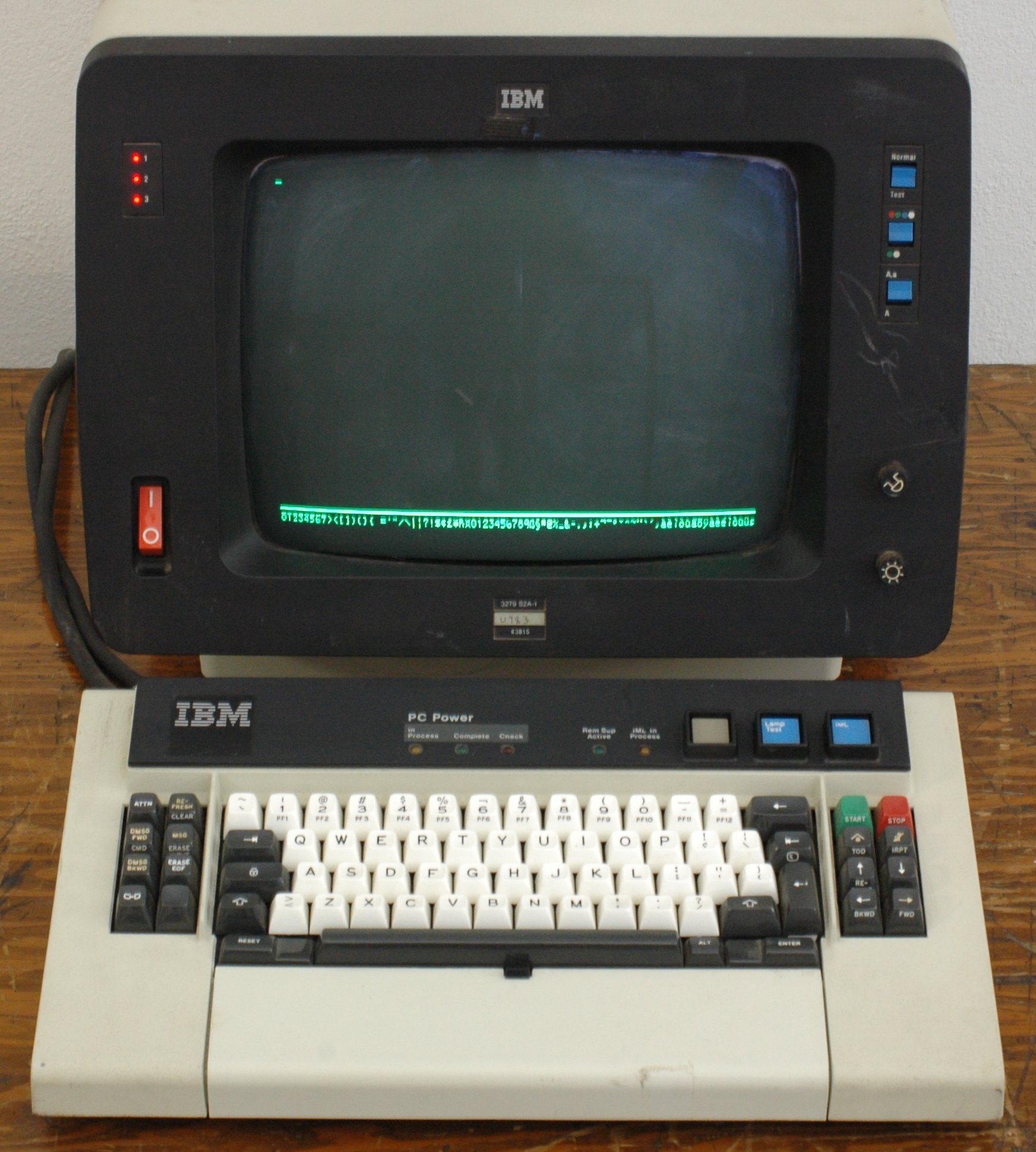 Photo of an IBM 3279 terminal