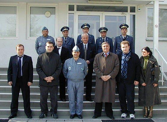 File:Irakli Alasania, David Aptsiauri, Ramaz Papidze, Batu Kutelia and Shota Utiashvili, posed with the commander and senior officers of Graf Ignatievo Air Base (April 2004).jpg