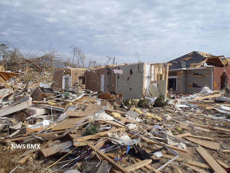 File January 23 2012 Center Point Alabama Tornado Damage Jpg Wikimedia Commons