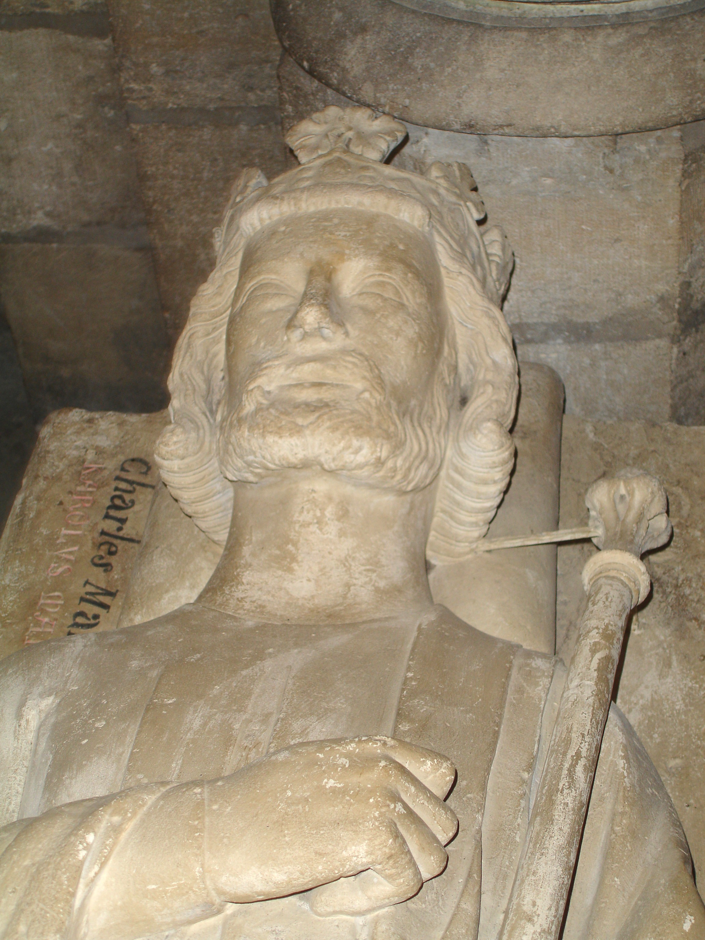 Kopf der Statue von Karl Martell in St. Denis (Grab)