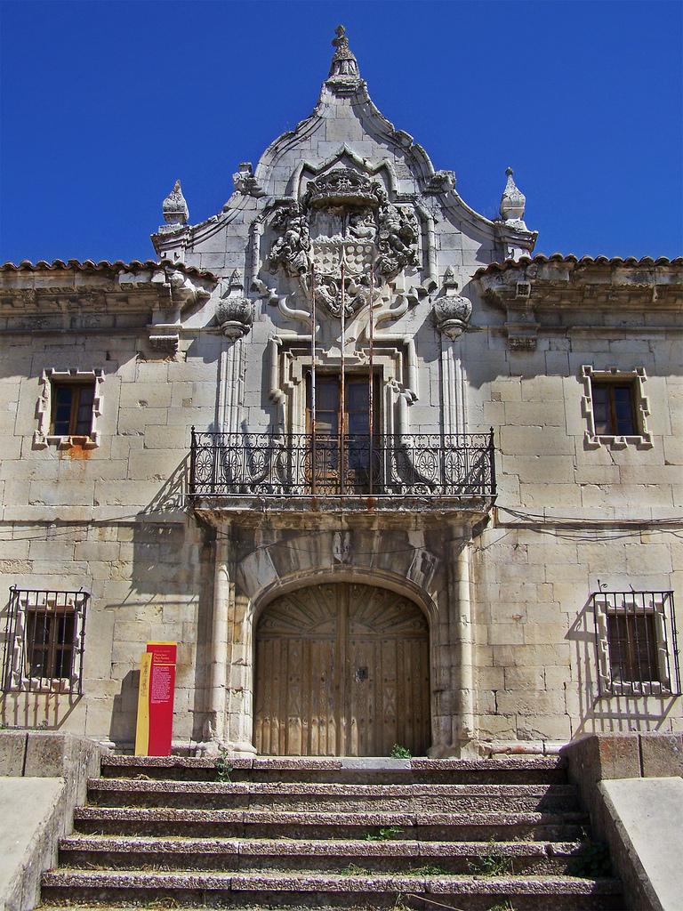 File la casa grande guardo jpg wikimedia commons - Casas en guardo ...