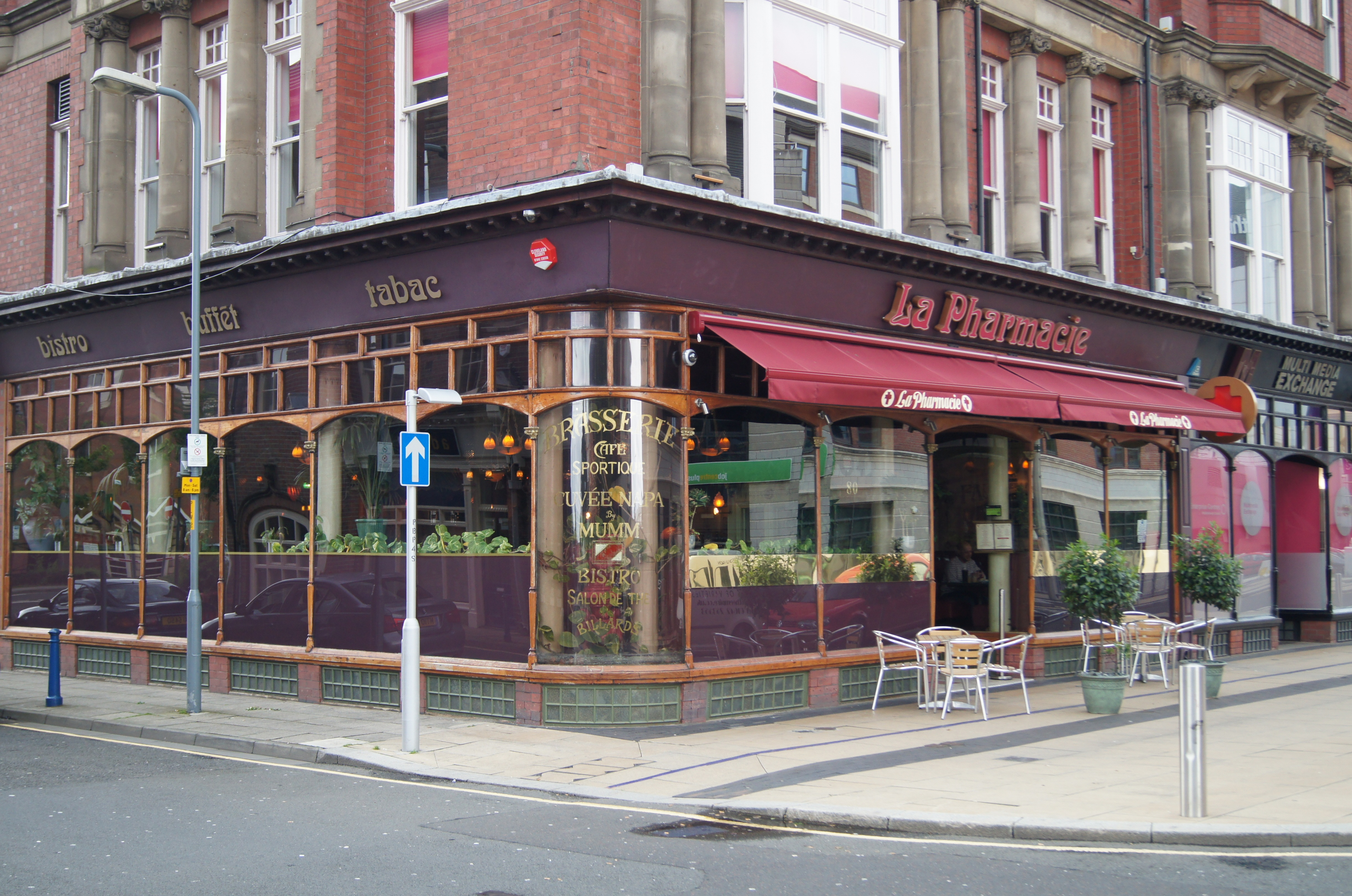 file la pharmacie cafe brasserie and bistro middlesbrough jpg wikimedia commons. Black Bedroom Furniture Sets. Home Design Ideas