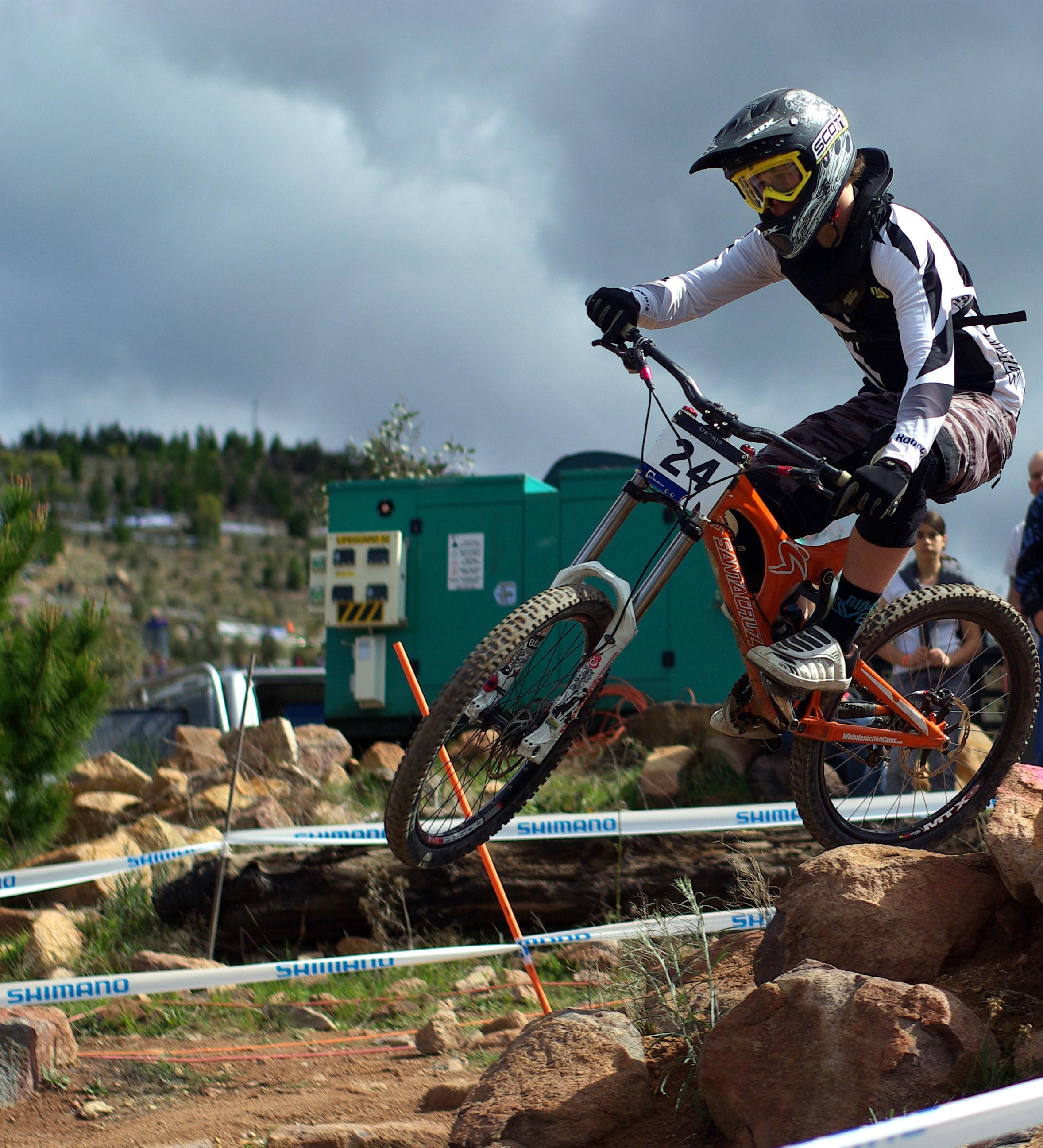 291294ef01e Downhill mountain biking - Wikipedia