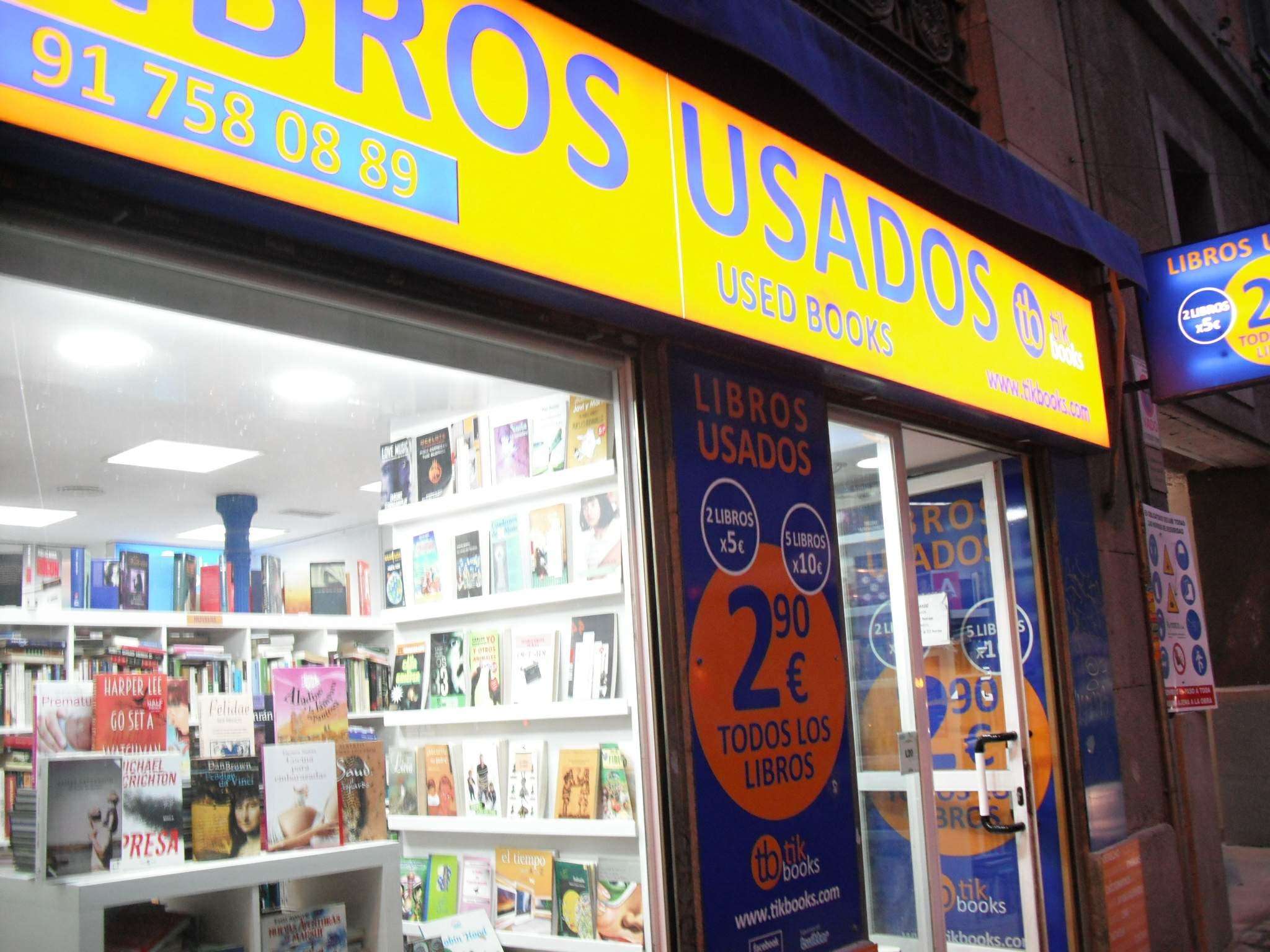 File:Madrid - Libros usados Tikbooks (tienda de Calle San Bernardo).jpg - Wikimedia Commons