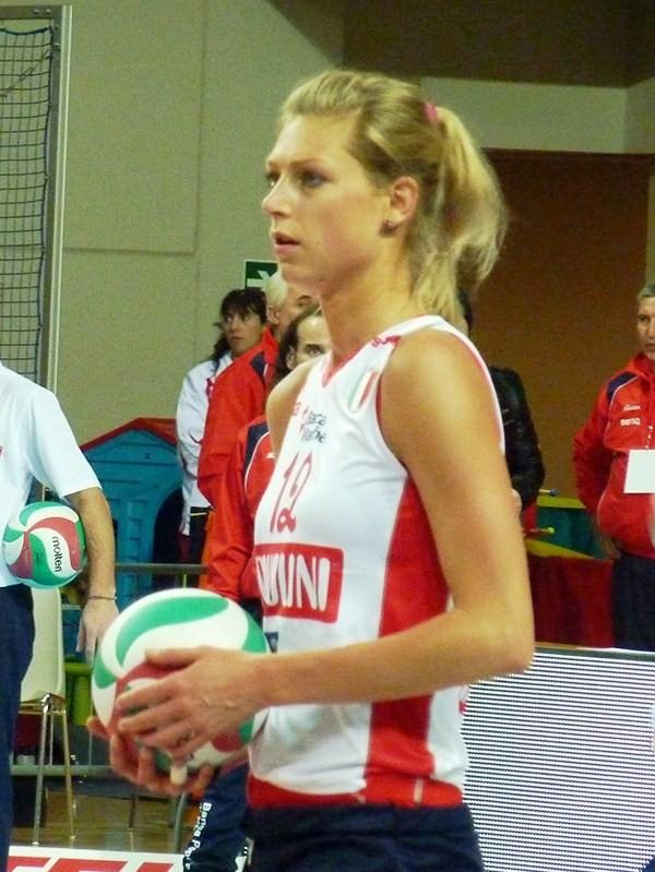 Manon Flier Voleybol Vikipediya