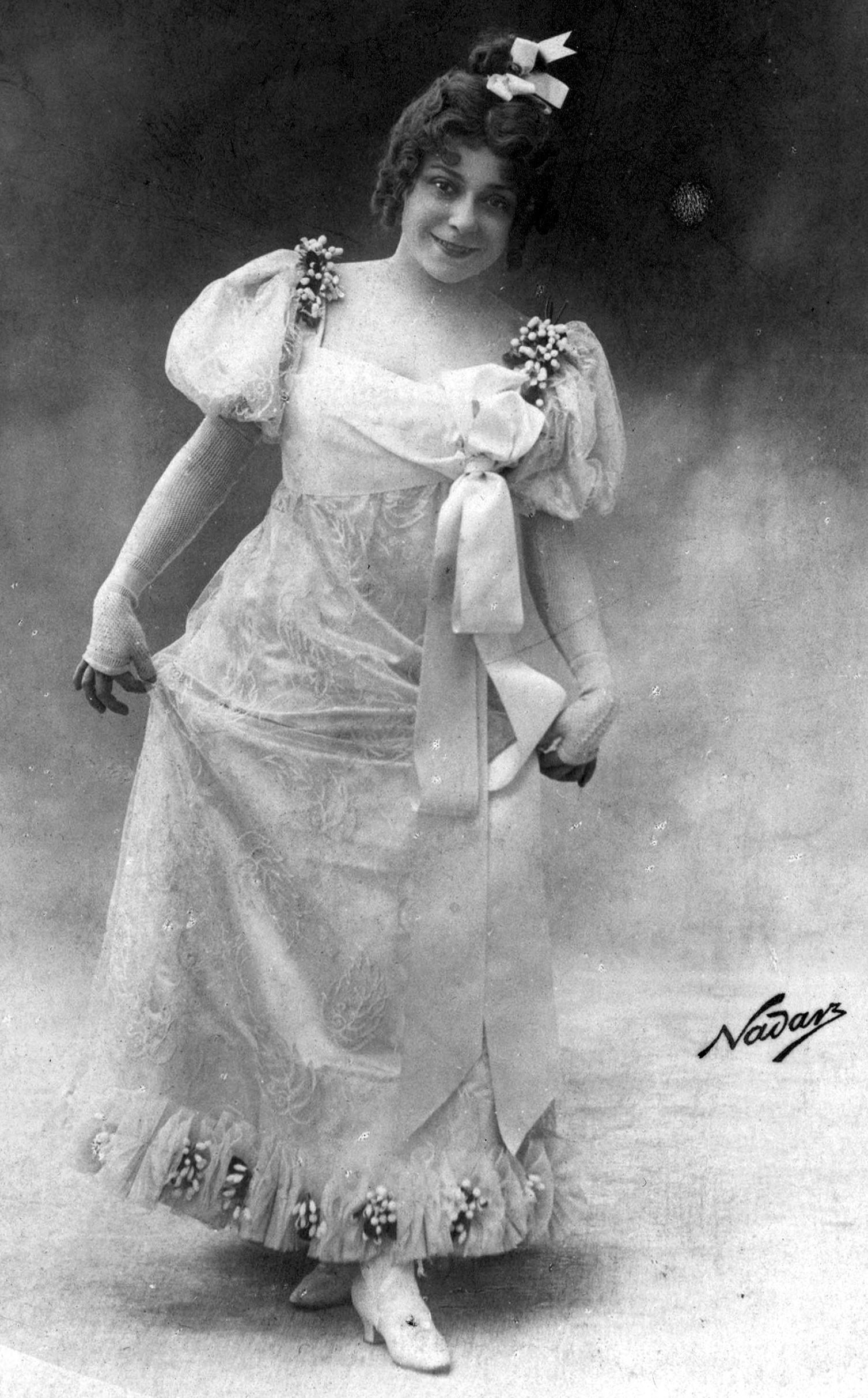 Mariette Sully dans Les ptites Michu, 1899