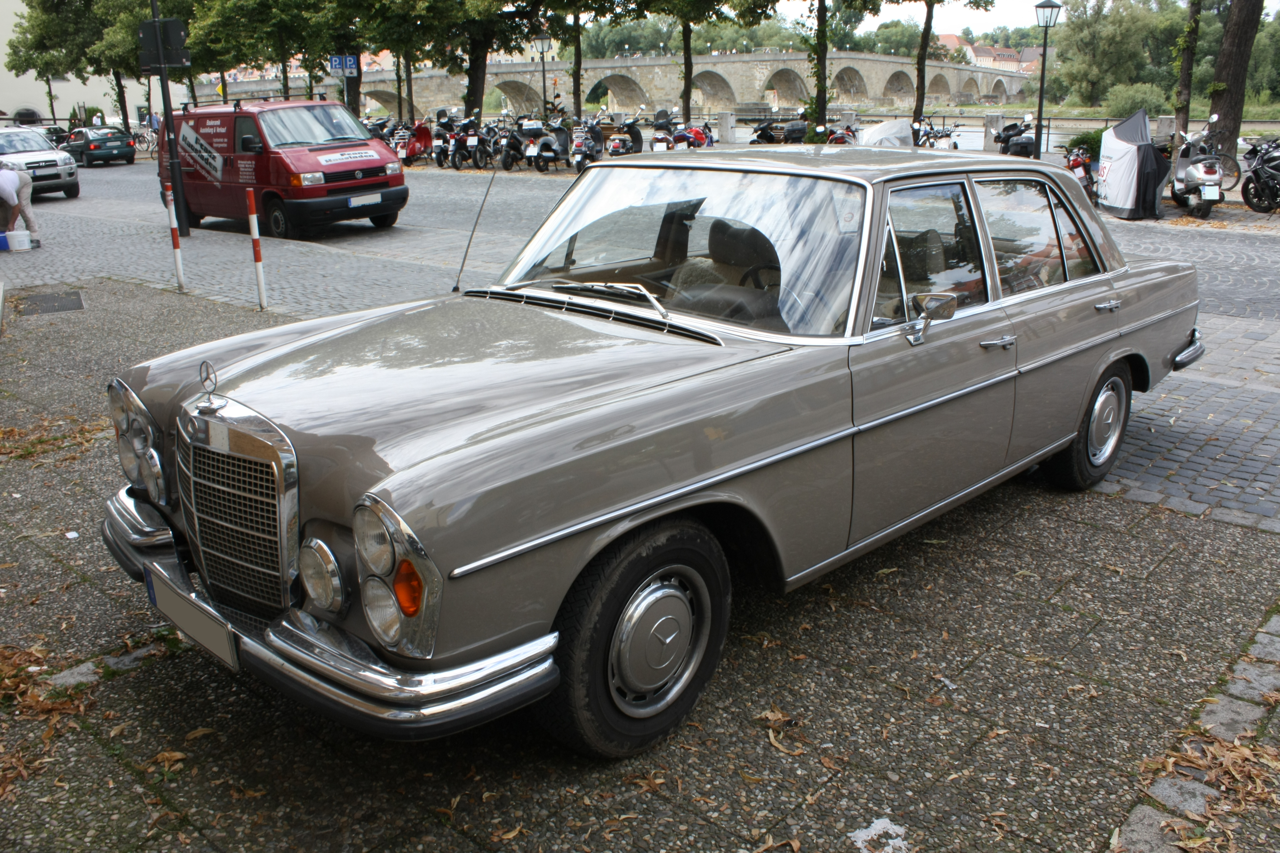 File mercedes benz w108 280s front on mercedes benz w114
