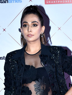 Monica Dogra - Wikipedia