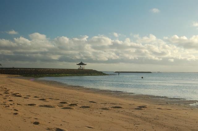 File:Nusa Dua Beach (171041167).jpg