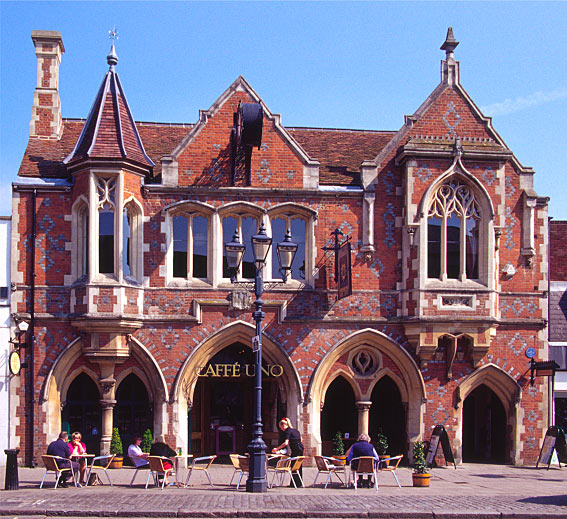 File:Old Town Hall Berkhamsted.jpg
