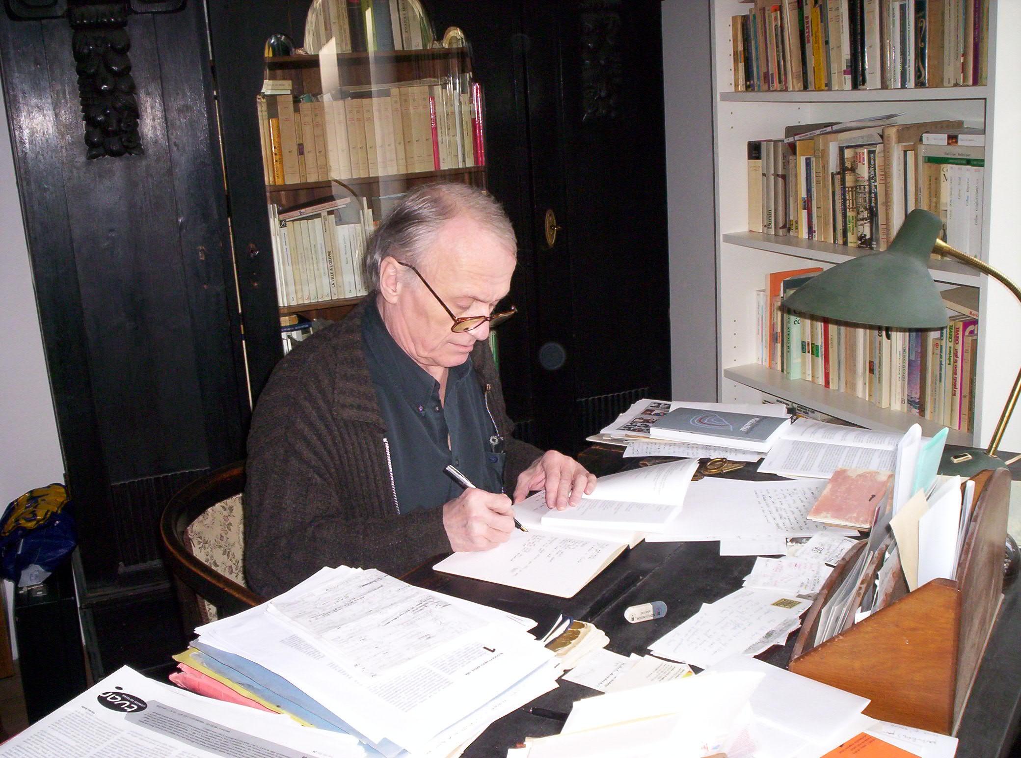 Petr Král in his study, 2008