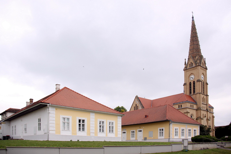 File poettelsdorf evangelische schule pfarrhaus und for Evangelische school