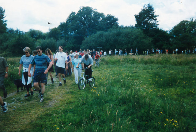 Protesters helping to save river - geograph.org.uk - 768907.jpg