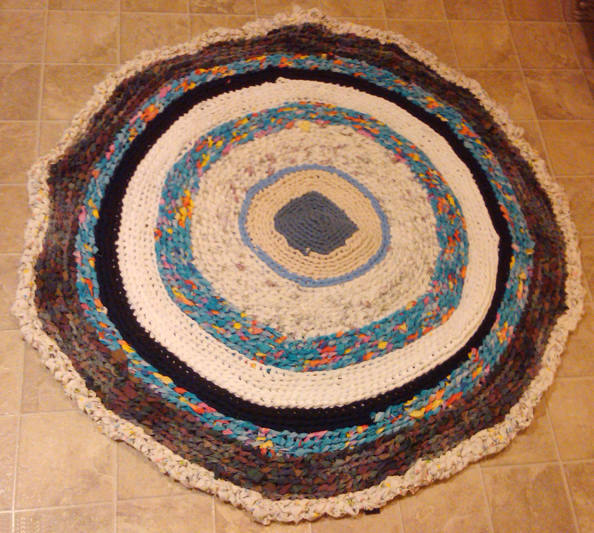 Making a rug out of carpet - File Ragrug Jpg